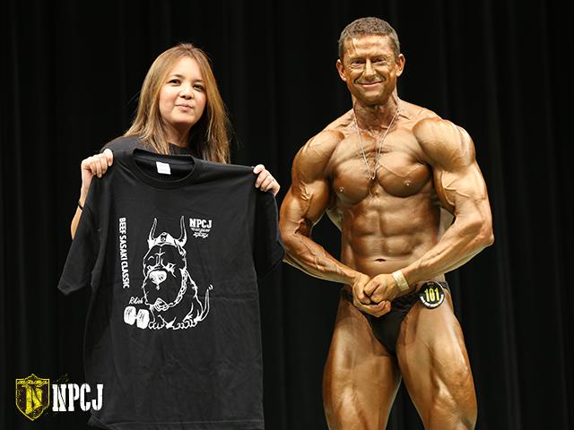 ボディビルディング75kg以上優勝者-カーマイケル-リー